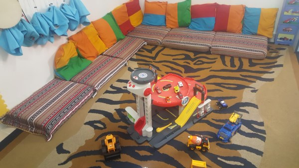 Floor play - garages and construction